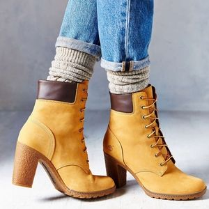 EUC Timberland Suede Heels Boots